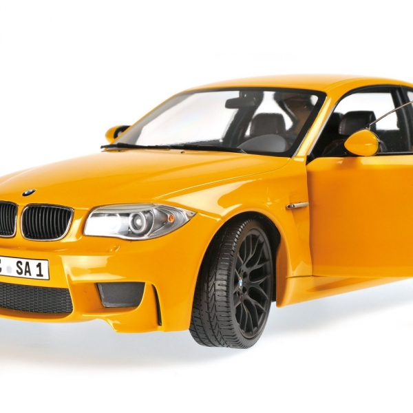 bmw 1er m coupe 39 2011 yellow. Black Bedroom Furniture Sets. Home Design Ideas